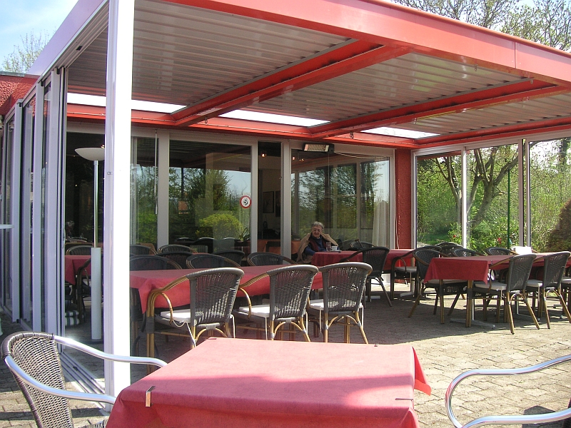 tcengstringen-cafe2.jpg